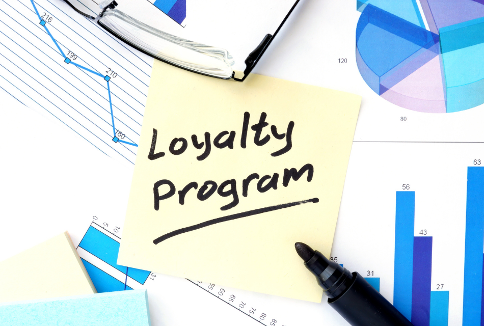 post-it with loyalty program written on it
